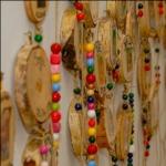 Kunstwerke aus Baumscheiben in der Kita Frieden Christi © Kitanetzwerk Bad Godesberg